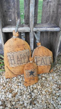 Grungy Happy Fall Pumpkin Set by DownOnCrippleCreek on Etsy, $20.00