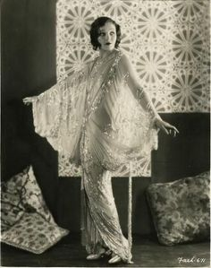 Sally Blane: sister of Loretta Young Vintage Hollywood, Old Hollywood Glamour, Classic Hollywood, Loretta Young, Vintage Movies, Costume Design, Sally, Nice Dresses, Beautiful Dresses