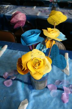 Paper flowers for table deco
