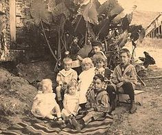 German immigration to Puerto Rico – The Riefkohl and Verges children of Maunabo, Puerto Rico (c. German immigration to Puerto Rico began in the early part of the century and continued to. Old Pictures, Old Photos, Rare Photos, Belle Epoque, Puerto Rico Pictures, Art Nouveau, Puerto Rican Culture, Porto Rico, Puerto Rico History