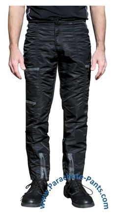 Bugle Boy Black Vintage Nylon Parachute Pants with Grey Zippers Americana Vintage, Vintage Men, Black Costume, Colored Pants, Cut Jeans, Men's Jeans, Vintage Outfits, Vintage Clothing, Fashion Vintage