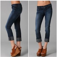 """Citizens Dani Cropped Straight leg Jeans perfect! Citizens of Humanity Jeans """"Dani Cropped straight leg"""" Excellent Condition! No signs of wear.  Tag size 26  (See all measurements below to ensure a good fit.)   1st photo is a stock photo.  Second shows cropped jeans with booties.  3rd and 4th pics are of the actual Jeans.  Measurements Waist measured straight across the front = 14  Front rise: 8.5 inches Inseam: 24 inches Leg opening: 6 inches 4% Elastane,6% Poly and 90% cotton Citizens of…"""