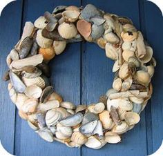 Wreath with Shells Seashell Wreath, Seashell Art, Seashell Crafts, 5 Min Crafts, Home Crafts, Seashell Projects, Diy Projects, Beach Design, Summer Diy