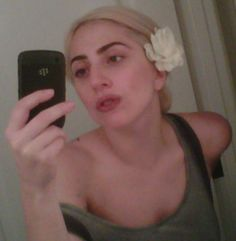 lady gaga bathroom pic without makeup on twitter