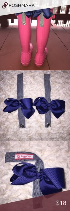 Poppy Clips - Navy/Herringbone Grey Bow Clips Take your Hunter Boots to the next level with these super cute magnetic bow clips! With the new year, I am in super minimization mode. These are new; I never got around to wearing them! :( Poppy Clips Other