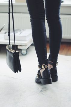 Purse and ankle boots. #style