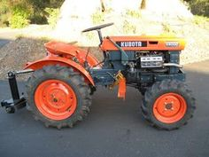 Very much like my old Kubota tractor in Santa Barbara. Mine had front loader, chipper, ripper, 6 ft. Small Tractors, Tractors For Sale, Compact Tractors, Old Tractors, Garden Tractor Attachments, Homemade Tractor, Landscaping Equipment, Kubota Tractors, Farm Tools