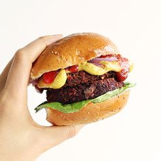 Quinoa Beet Veggie Burgers | Minimalist Baker Recipes