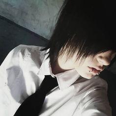 xSascha_kunx    #emo #emoboy #emoguy #boy #guy #sceneboy #sceneguy #scene #alternativ #alternative #blackhair #emohair #cute #kawaii #piercings #hot #hotemo #me #sweet #goth #gothic