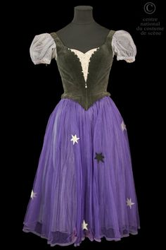 Atelier Karinska, Costume for the Third Dream in a ballet choreographed to Berlioz's Symphonie Fantstique