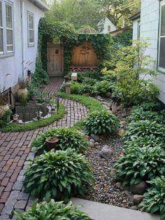 20 Fascinating Backyard Garden Designs