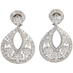 Pre-owned Van Cleef & Arpels Diamond Platinum Large Snowflake Earrings (6.251.080 RUB) ❤ liked on Polyvore featuring jewelry, earrings, chandelier earrings, snowflake earrings, van cleef arpels earrings, pre owned jewelry and earrings jewelry