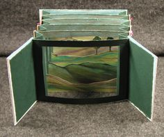 Tunnel book making Altered Books, Altered Art, Altered Tins, Tunnel Book Tutorial, Origami, Libros Pop-up, Middle School Art, Handmade Books, Handmade Journals
