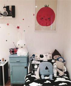 Nos gusta especialmente cuando llega el momento de decorar el dormitorio infantil, sobre todo decorarlo con los peques. Es como un mini universo paralelo...