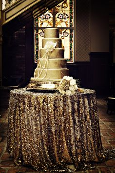 Table linens DO make a difference!  This sparkly drape transforms the table into a dazzling Wedding cake display. Glitter Wedding, Gold Wedding, Dream Wedding, Gold Glitter, Sequin Wedding, Bronze Wedding, Glitter Cake, Gold Gold, Metallic Gold