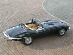 Jaguar E-Type Roadster. Stunning car
