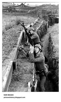 German soldiers on alert against allied aircraft at the Atlantic Wall   PICTURES FROM HISTORY: Rare Images Of War, History , WW2, Nazi Germany: Images Of The Wehrmacht (German Army) From WW2: Part 3
