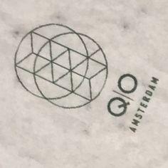 Qo restaurant amsterdam met promotie materiaal van growingpaper voor een bloeiende toekomst