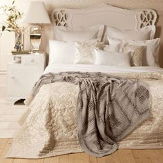 Zara home - our white furniture with greige tones and metallic accents. Zara Home, Romantic Room, Romantic Shabby Chic, Diy Design, Interior Design, Design Ideas, Home Bedroom, Bedroom Decor, Bedroom Ideas