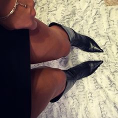 Nine West black boots Great condition. Paid over 150 & worn maybe 3 times. Size is actually 5.5 but I always wear size 6 & these fit perfectly Nine West Shoes Heeled Boots