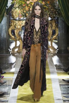 Roberto Cavalli Fall 2016 Ready-to-Wear Fashion Show