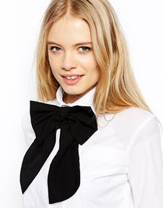 Corbata estilo lazo extragrande de ASOS