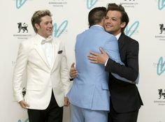 Awwww Louis and Liam. And then there is the little Irish man being his handsome self.
