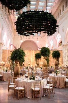 Field Museum: Downtown Chicago's Most Iconic Wedding Venue Romantic Centerpieces, Wedding Decorations, Wedding Events, Wedding Ceremony, Chicago Museums, Field Museum, Museum Wedding, Chicago Wedding, Dream Decor