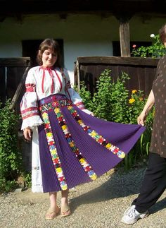 The in Calata, Cluj, Folk Costume, Costumes, Young Frankenstein, Folk Embroidery, Photographs Of People, My Heritage, Traditional Outfits, Culture, Clothes For Women