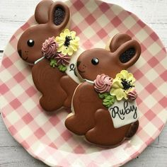 Celebrate Easter with the best Easter cookies. Here are the best Easter Sugar Cookies ideas. These Easter cookies decoration with royal icing are so cute. Sprinkle Cookies, Fancy Cookies, Iced Cookies, Cute Cookies, Easter Cupcakes, Easter Cookies, Christmas Cookies, Chocolate Bunny, Chocolate Sugar Cookies