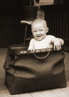 WHAT TO PACK IN YOUR OVERNIGHT BAG:  1. Comfy clothes: PJ's or loungewear  2. Bras, Underwear & Nursing Pads  3. Warm socks & Slippers  4. Robe (we love ones with deep pockets)  5. Homecoming outfit for you and baby--remember, you'll be about the same size you were when you were 5 months pregnant  6. Toiletries (don't forget pads, hair ties, etc.)  7. Your paperwork (your birth plan, insurance cards)  8. Phone charger, laptop, camera  9. A small gift for your partner :)  10. Bellybar…