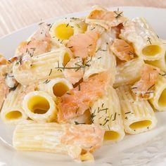 Tortiglioni biologici con salmone, ricotta e aneto / Organic Tortiglioni with salmon, ricotta cheese and dill