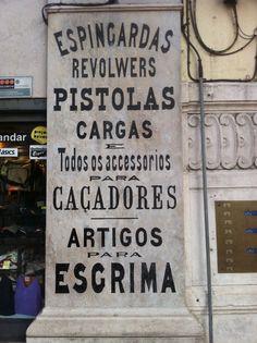 En Lisboa. Al lado de la estación del Rossio.