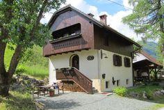 Roy Clark and Justi Carey  River Cottage – Hiša ob potoku Kurirska pot 13 4281 Mojstrana Slovenia  Tel: +386 (0) 40 782433