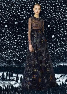 Just when you think a collection couldn't get any better (as is always the case with Valentino), Diana Mossworks that magical eye of hers and transforms it into an entirely new and compelling series where fashion so flawlesslycollides withart. Maria Grazia Chiuri andPierpaolo