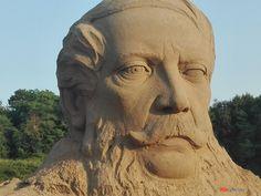 Tinnyén idén is valami különlegességgel készülnek augusztus 20-ra. A falu és az ott élő Monostori Ferenc szobrászművész �