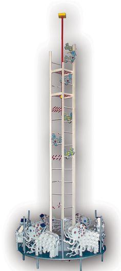 2001, Giostra, legno dipinto e vetro, cm 310x105x105