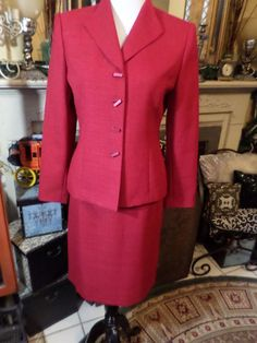 Le Suit Petite Women's Garnet Business Skirt Suit SZ 6P  #LeSuitPetite #SkirtSuit