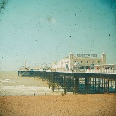 Poster | BRIGHTON PIER von Cassia Beck | more posters at http://moreposter.de