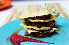 Perfeição tem definição e se chama lasanha crocante. Essa receita fica visualmente muito bonita e é mais um daqueles pratos que a gente come com os olhos.