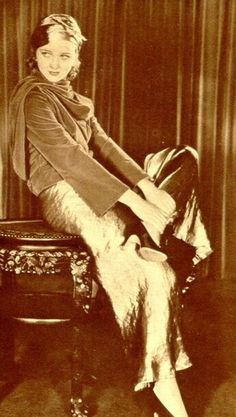 Marian Marsh - c. 1930s Marian Marsh (October 17, 1913 – November 9, 2006) was an American film actress, and later, environmentalist.