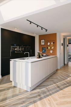 Kitchen Room Design, Kitchen Themes, Kitchen Interior, Home Interior Design, Kitchen Dining, Dream Home Design, House Design, Home 21, Home Lighting