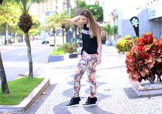 03-look doa dia calça estampa com tênis pelo petite jolie blog sempre glamour jana taffarel