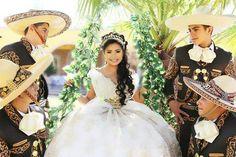 XV años charros Grisell Mora Rivera.  Nvo. Chupicuaro Gto.  México.