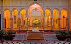 The Raj Palace Grand Heritage Hotel: Swimming Pool