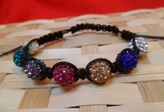 Tutorial: Shamballa Style Bracelet - You will need 7 - shamballa style beads and 6 feet of waxed cotton bead cord Diy Jewelry Parts, Jewelry Crafts, Bracelet Making, Jewelry Making, Diy Bracelet, Shambala Bracelet, Beaded Jewelry, Beaded Bracelets, Micro Macramé
