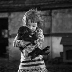 Ogni bambino nasce con l'amore per gli animali, poi…