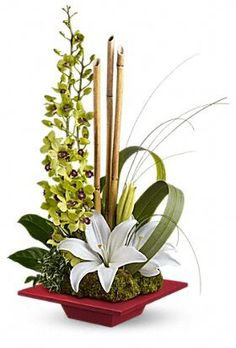 ideas flowers arrangements lily ikebana for 2019 Tropical Flowers, Tropical Flower Arrangements, Church Flower Arrangements, Beautiful Flower Arrangements, Exotic Flowers, Beautiful Flowers, Spring Flowers, Artificial Floral Arrangements, Unique Flowers