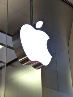 Mac Logo at Apple Shop Mac iPhone Store Computer Repair, Computer Laptop, Computer Programming, Wall Logo, Iphone Repair, Geek Gadgets, Apple Inc, Apple Products, Apple Watch