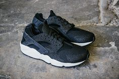 NIKE AIR HUARACHE RUN PA (BLACK/SEA GLASS) | Sneaker Freaker